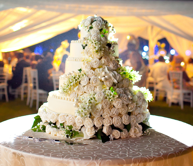 photoblog image Outdoor Weddings -- Wedding Cake details.